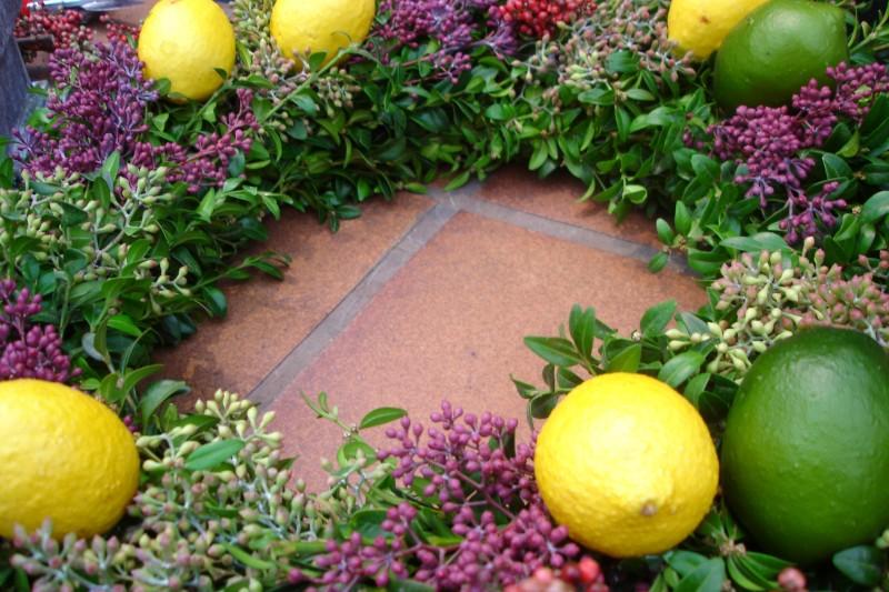 wreath lemons