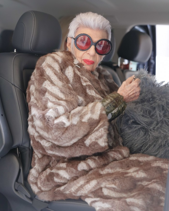 MADAME IRIS APFEL IN PARIS: DAY 1 - VANITY FAIR SHOOT