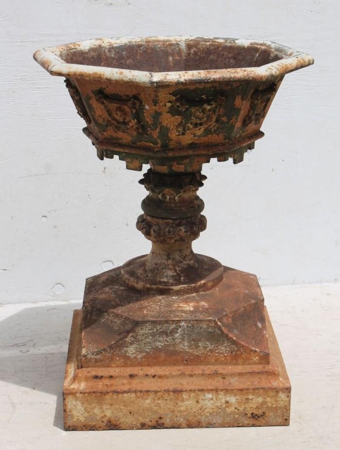 iron urn - fine