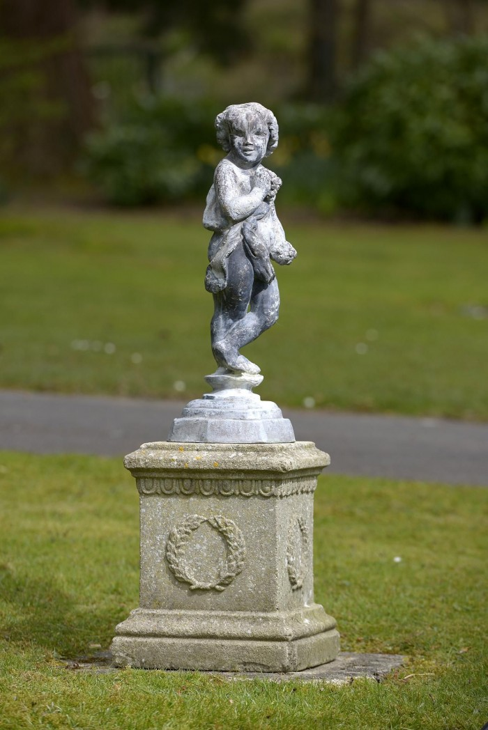 auction 6-16 lead putto on column